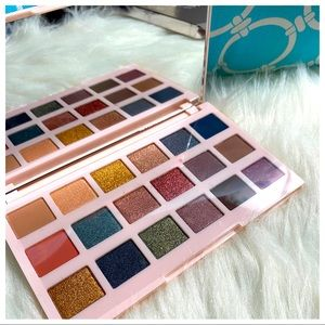 Ciaté London| New England Editor Eyeshadow Palette